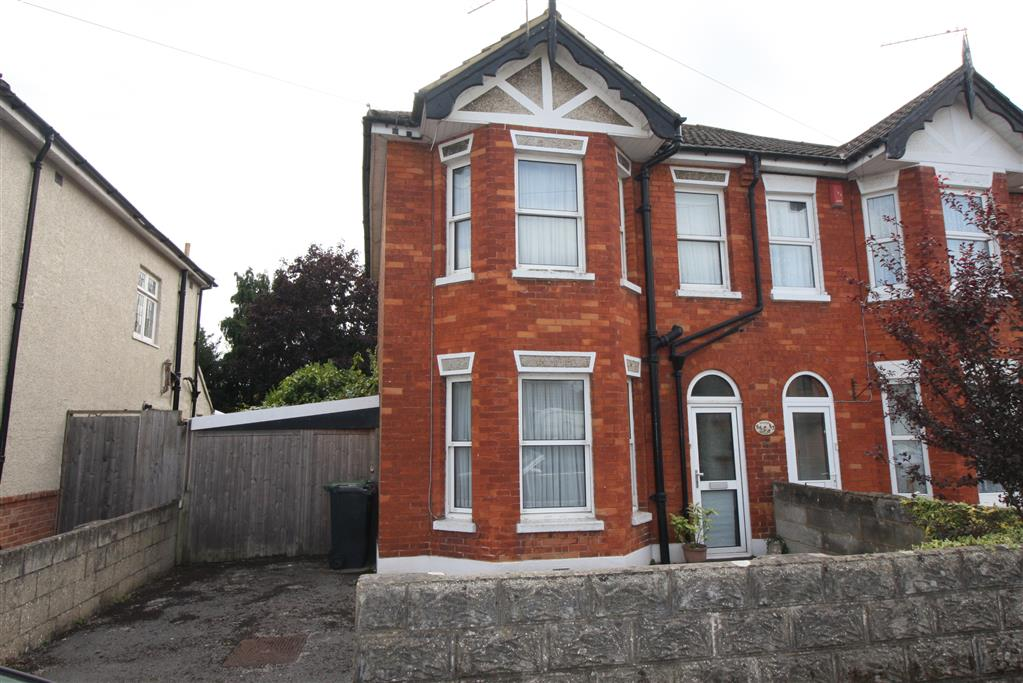 55 Jumpers Road Front