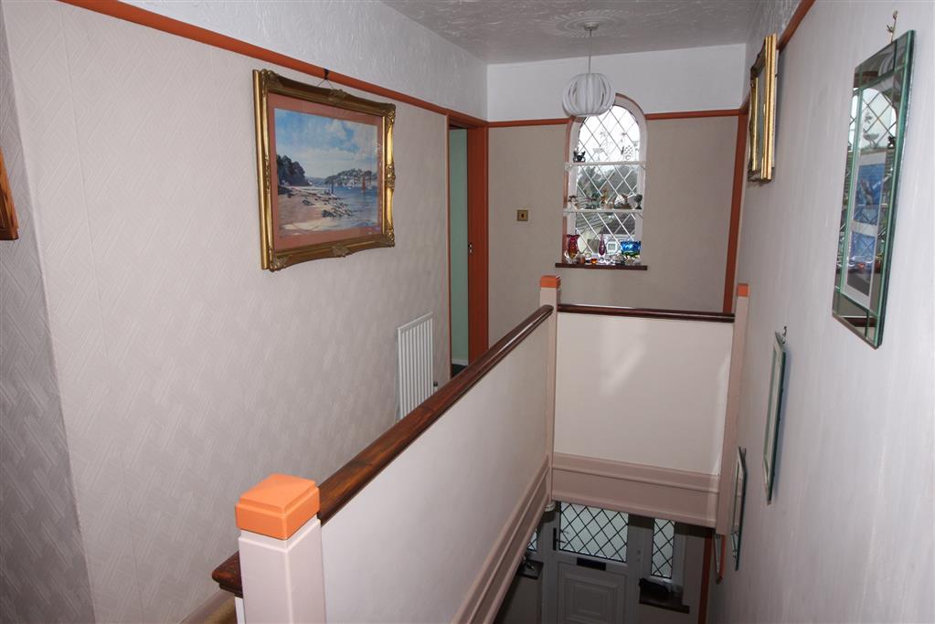 255 Fairmile Road Hallway