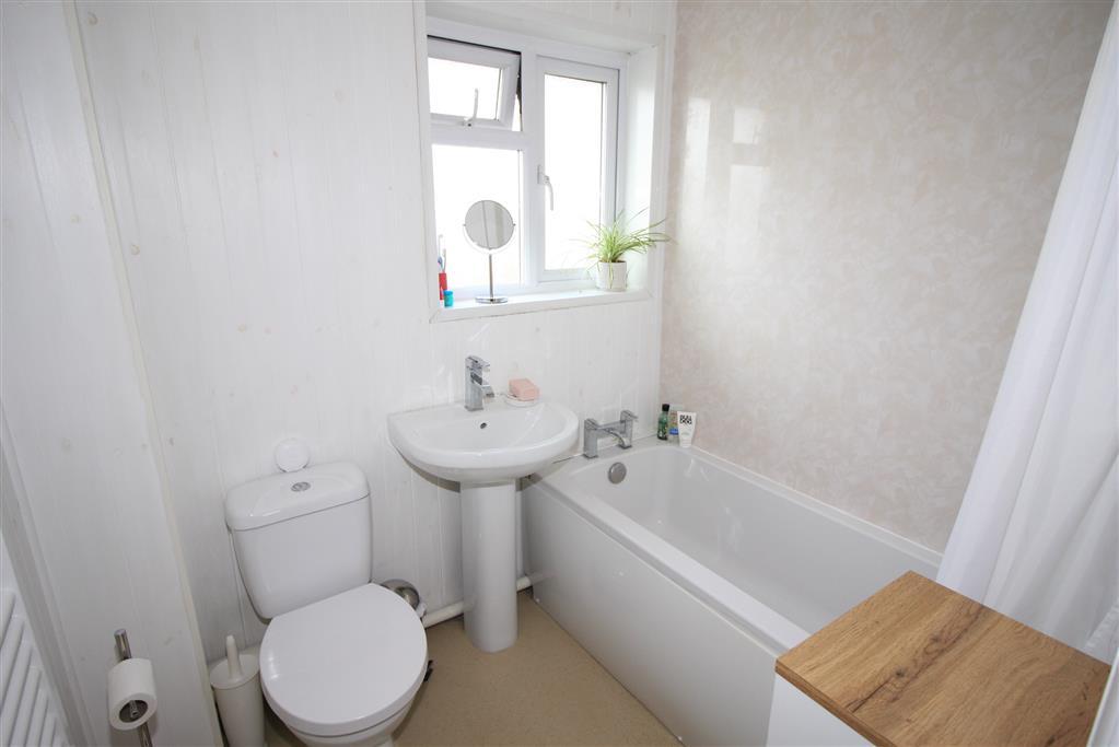 35 Melbourne Road Bathroom