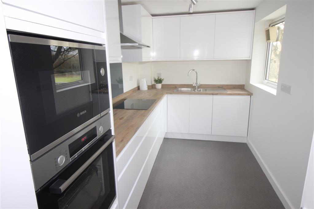 8 Stourbanks Kitchen
