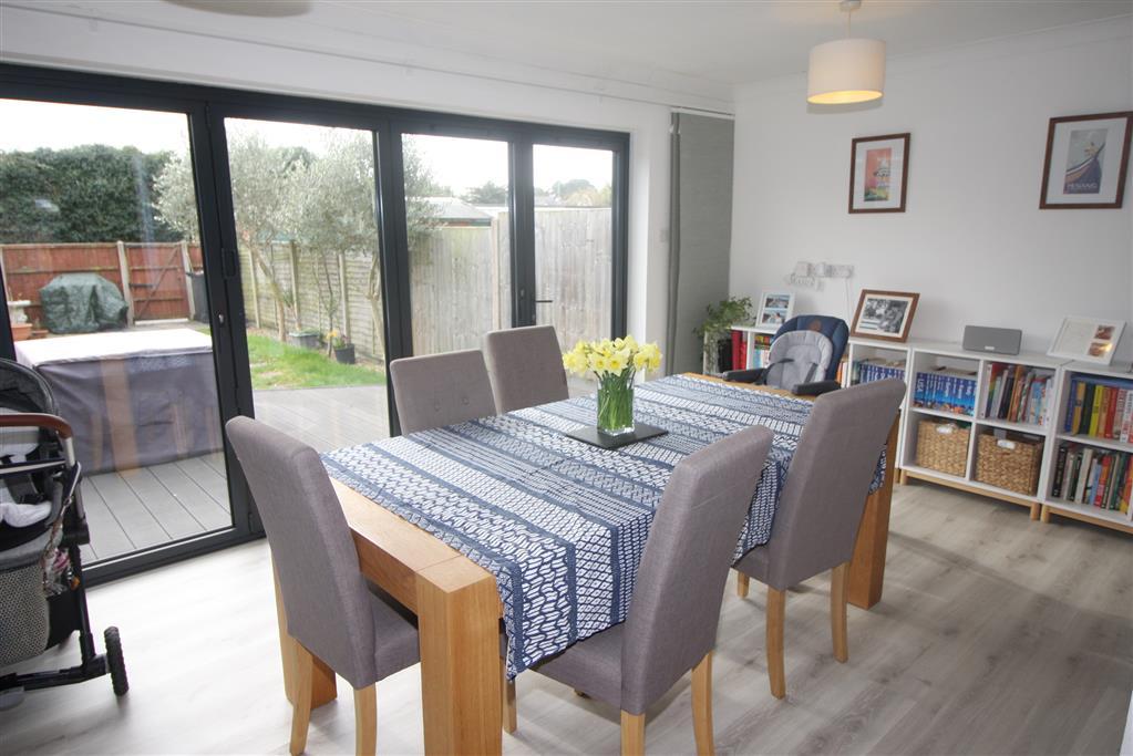39 Portfield Road Dining Room
