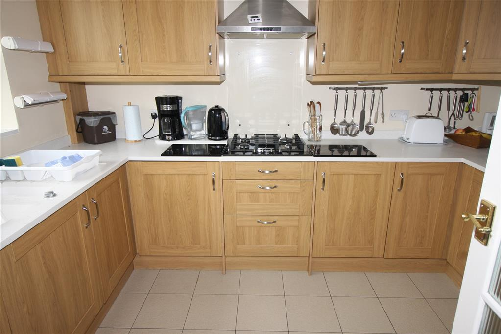 23 Regency Crescent Kitchen