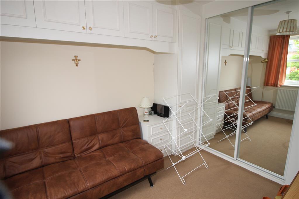 23 Regency Crescent Bedroom