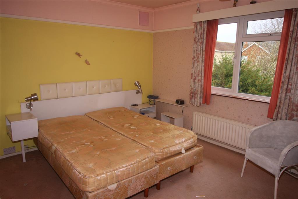 23 Avon Road West Bedroom