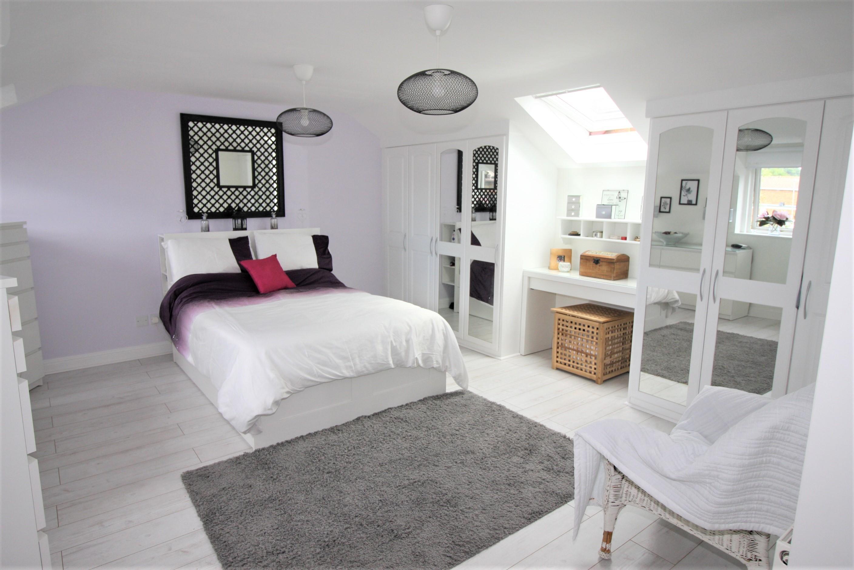 33 Apple Grove Master Bedroom