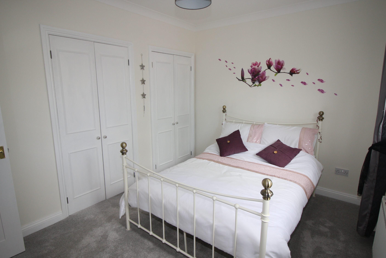 33 Apple Grove Bedroom
