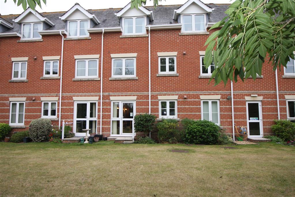 Flat 4 Blenheim Court, Regency Crescent, CHRISTCHURCH BH23 2UG